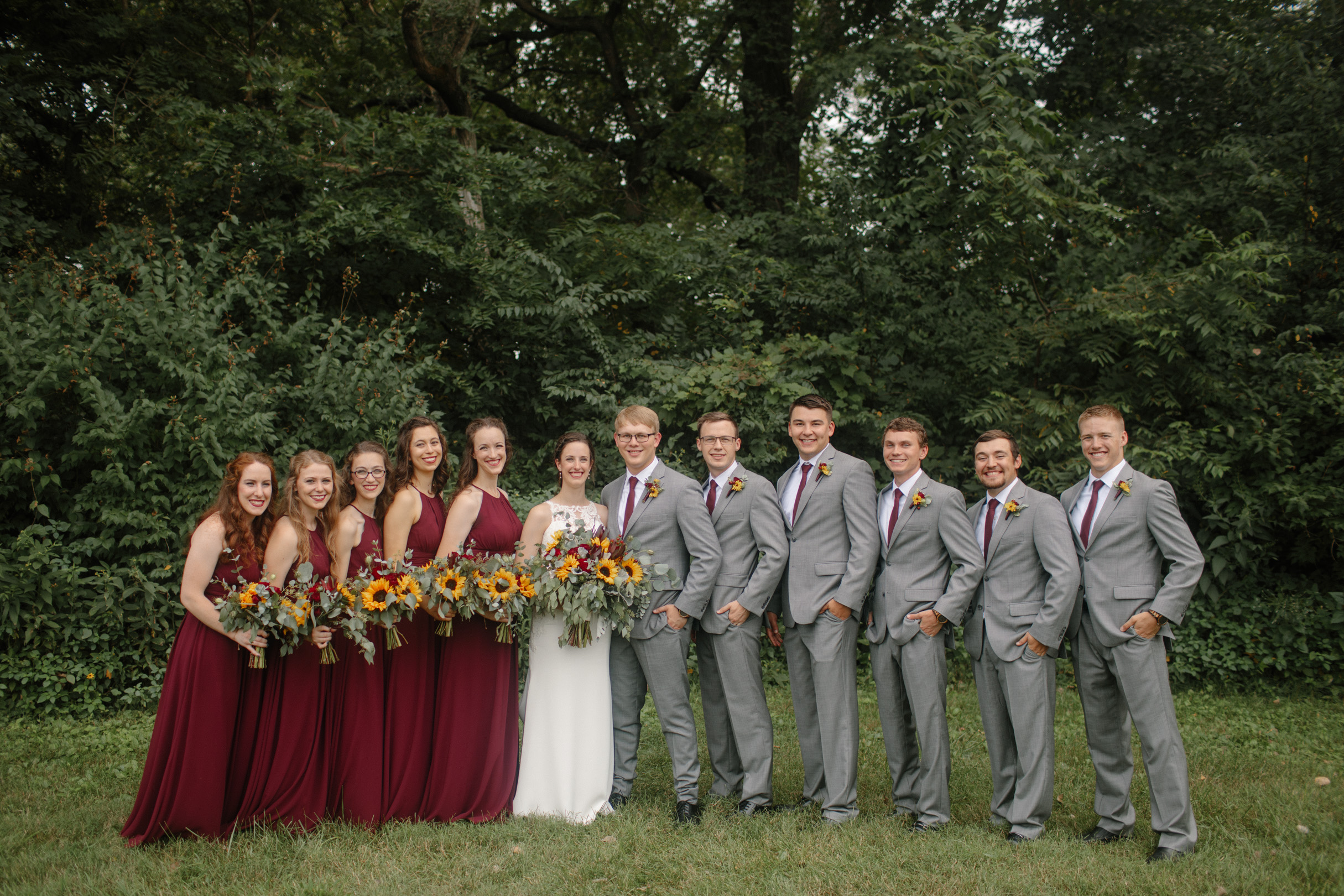 full bridal party at the chateau wedding venue des moines winery