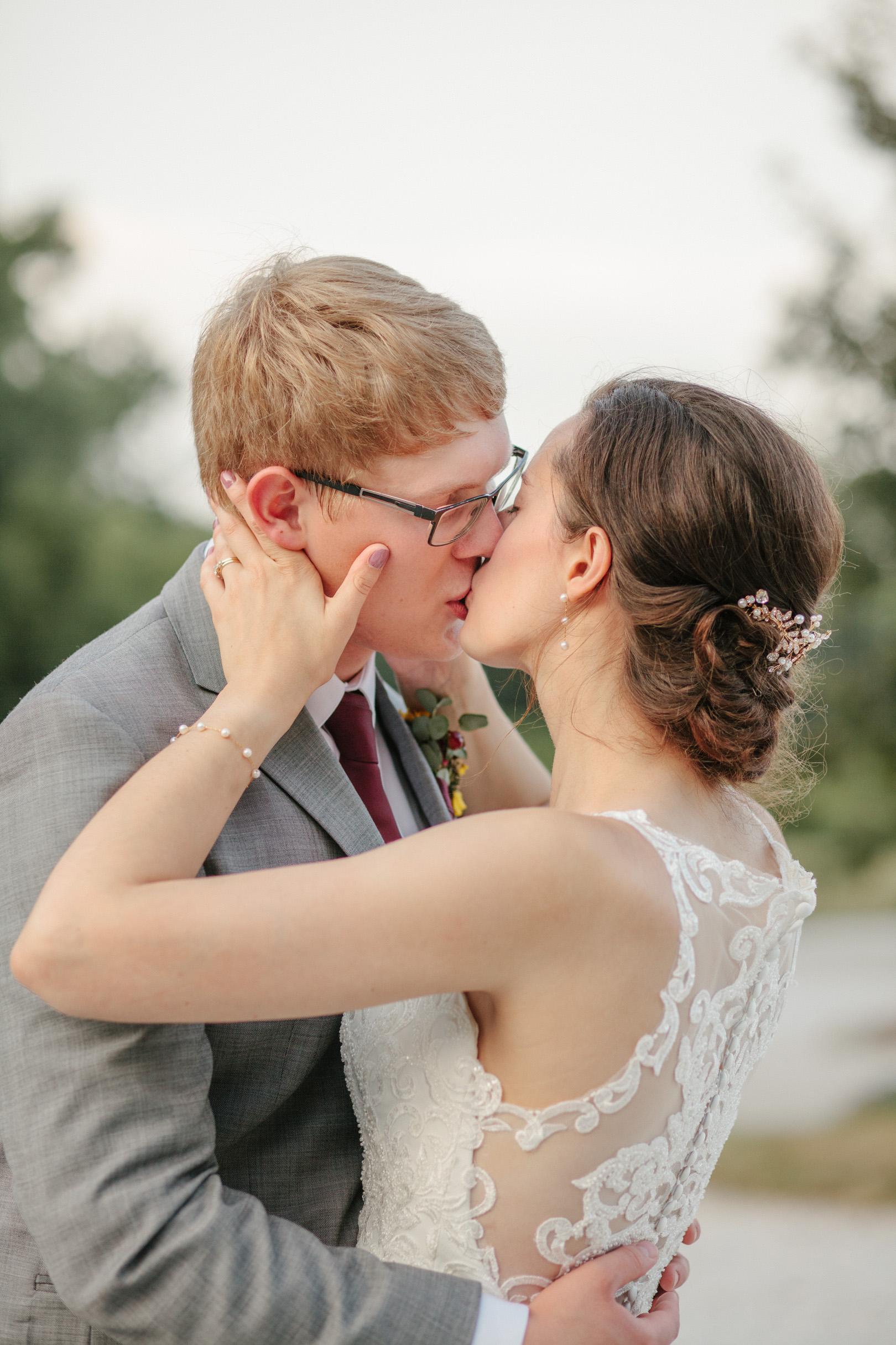 gabby_david_the_chateau_white_oak_wedding_99