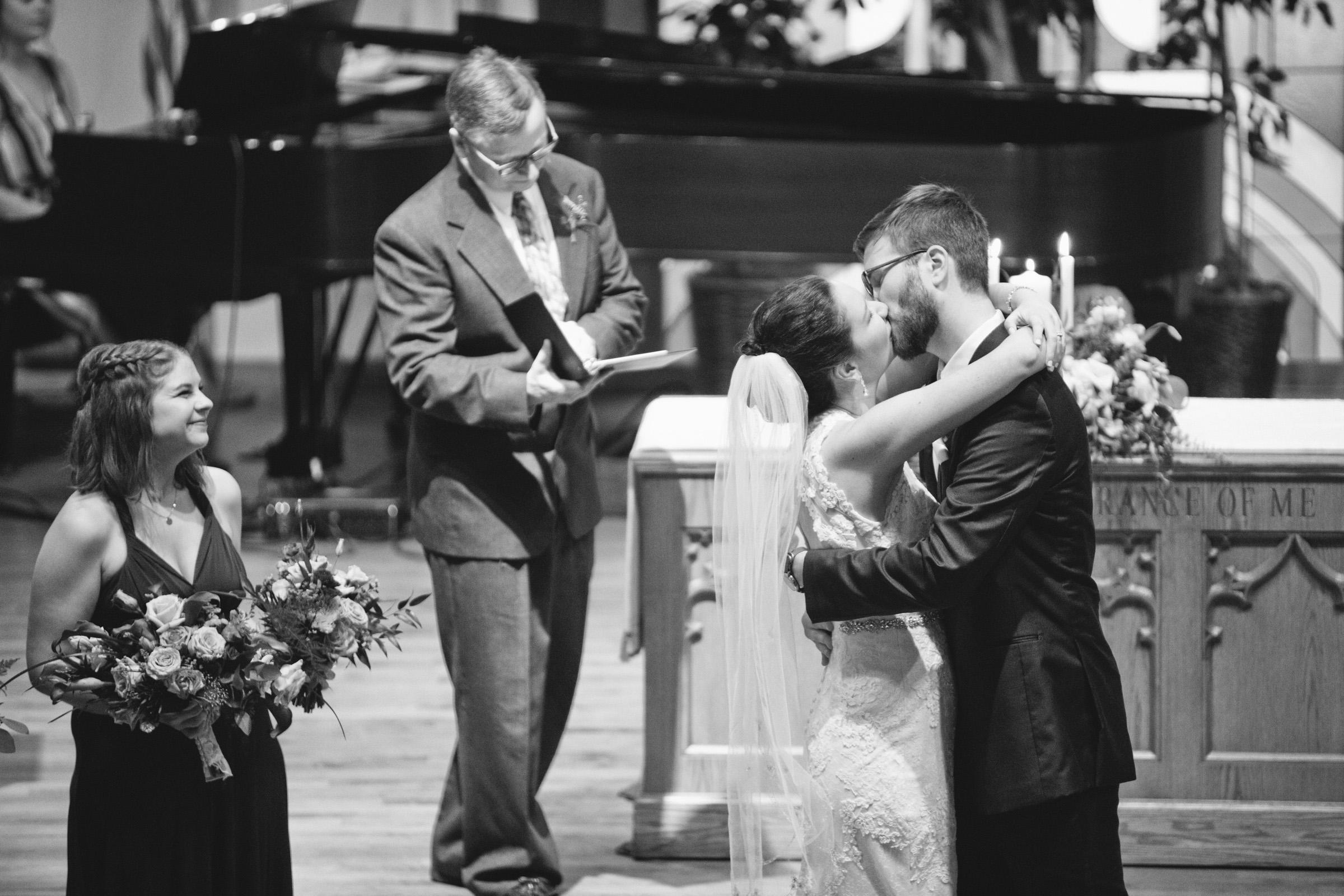 johnston_iowa_wedding_photographers-37.jpg