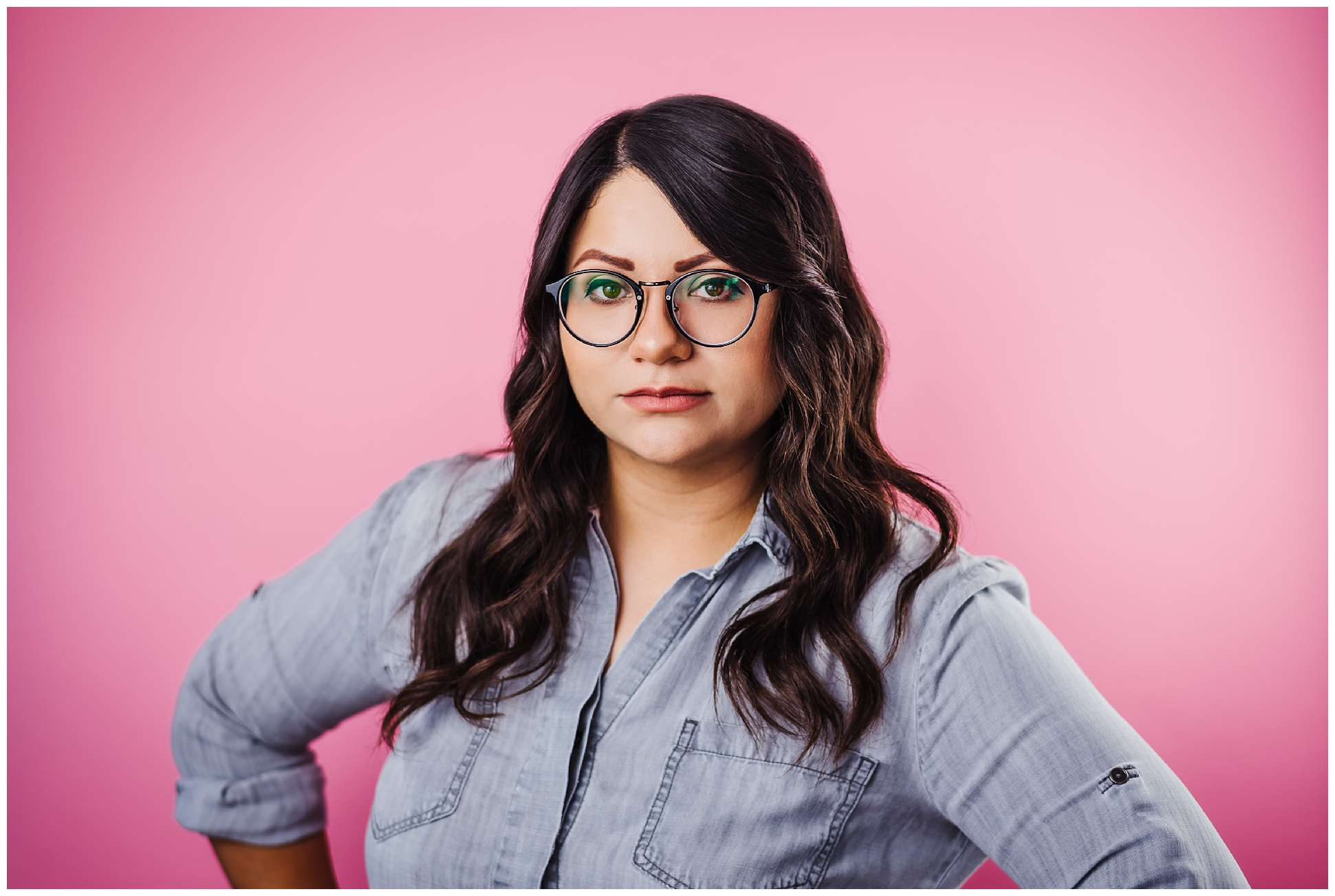 Tampa-portrait-photographer-pink-backdrop-glasses-nerd-expressive_0109.jpg