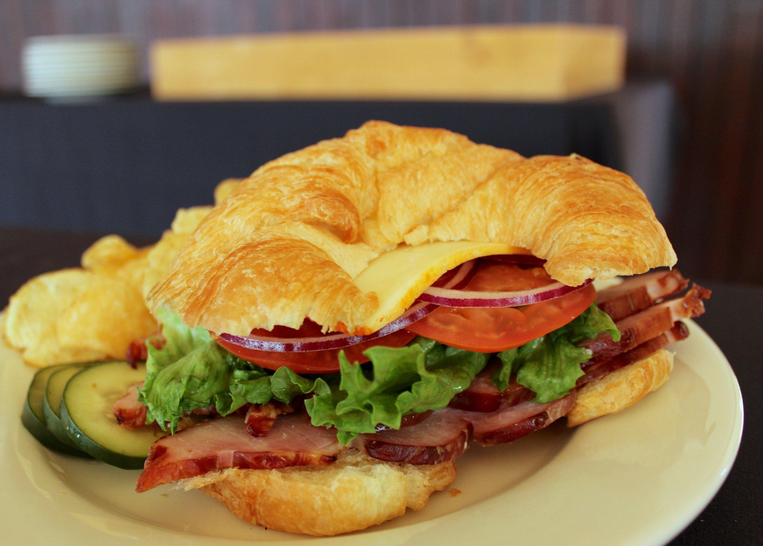 CroissantSandwich.jpg
