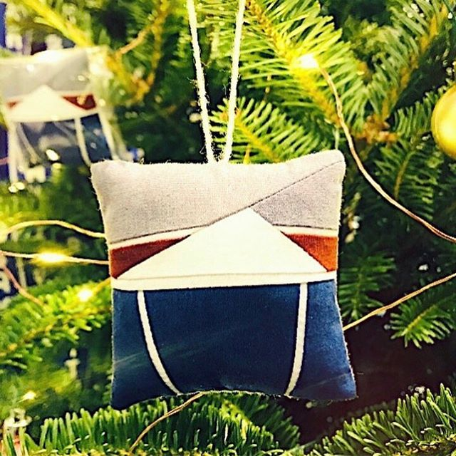 A very special project for City Bakery in NYC  #Repost @citybakerydaily ・・・ Attention City Bakery shoppers: how's your tree? Is it decorated fully and sweetly with the perfect confectionary touch? For the first time ever, we have a limited edition of custom designed, hand sewn City Bakery hot chocolate and homemade marshmallow Christmas tree ornaments by @erinwilsonquilts. These are the most special [non-edible!] item we've ever offered in the bakery. We can also ship to anywhere in the states, in a day, and orders can be placed by emailing catering@thecitybakery.com. You can order the ornaments along with our homemade marshmallows. Special thanks to Erin Wilson for adding her incredible skill to our holidays. #christmastreeornaments #sewing #sewinginspiration #homemademarshmallows #christmastree #christmasdecor #handsewn #stitchbystitch#citybakeryhotchocolate