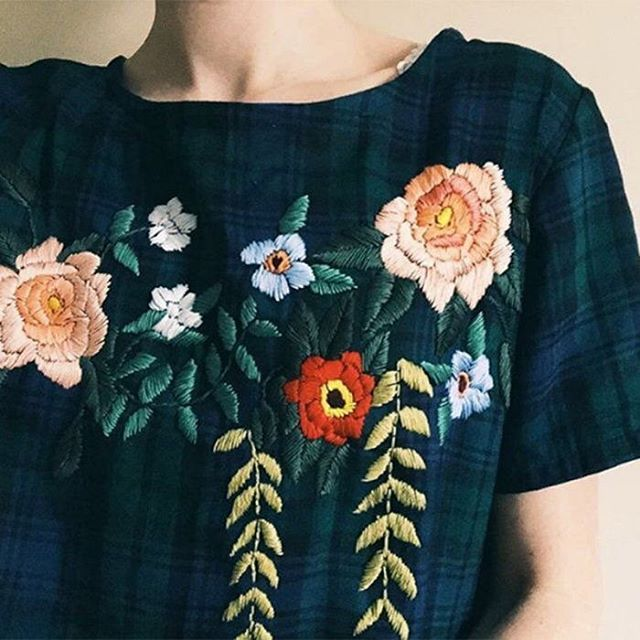 Getting my outfit ready for Christmas dinner !! #blackwatchplaid with a twist  @katybieleillustration Thanks for the inspo  #creativityfound #handsthatmake #embroidery #embroideryart #handmadeclothes #katybiele #marieclaire