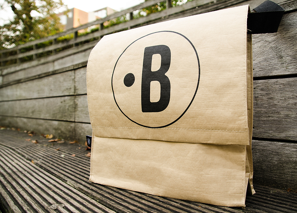 c-bags for Buzzi Space // single cyclus ecologische draagtas // PP woven bedrukte draagtassen - kraft laminatie // betaalbare luxe draagtassen