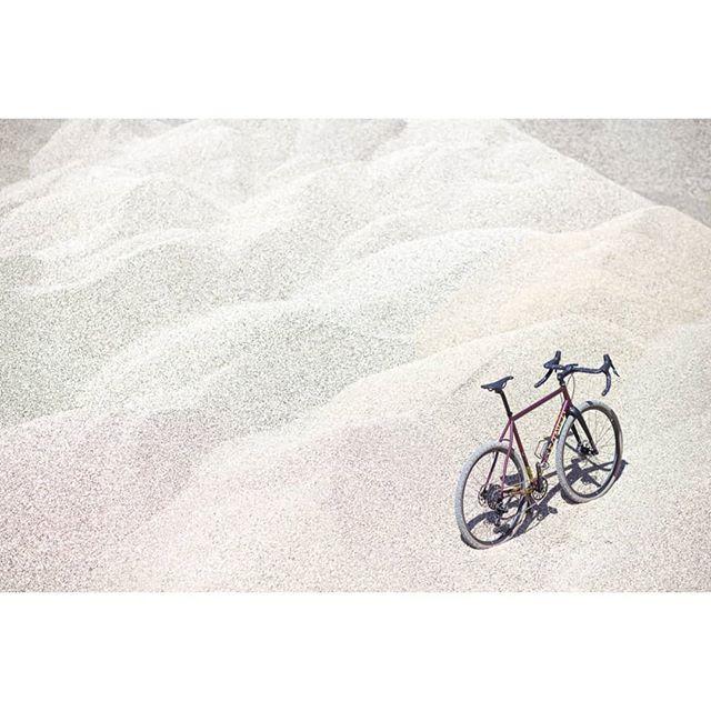 Yes, it is beautiful. Doesn't matter where you put it :) . One bike frame - many beautiful rides. . . #Teliaveli #columbustubing #handmade #envecomposites #sramroad #gravelgrinder #gravelbike #steelisreal