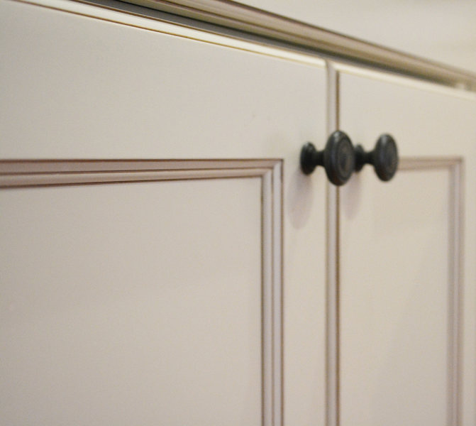 Oil Rubbed White Cabinets Penninton Kitchen optimized.jpg