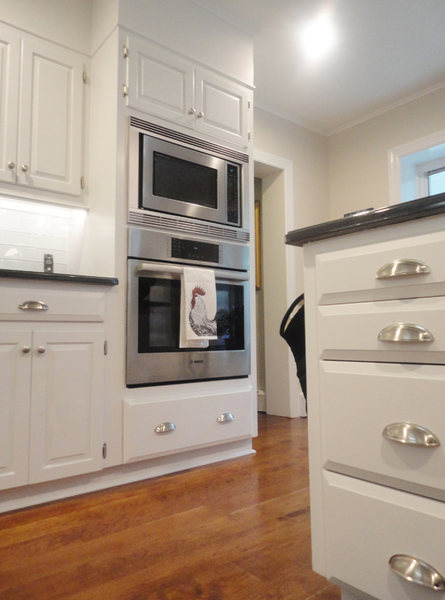 Hopwell Kitchen Remodel Stainless Double Oven Wood Floors optimized.jpg