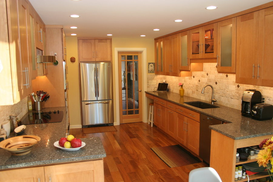 Transitional Kitchen Hopewell Frosted Glass Cabinets.jpg