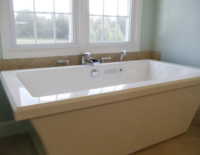 A&E Construction Modern Soaking Tub Spa Bathroom Renovation optimized.jpg