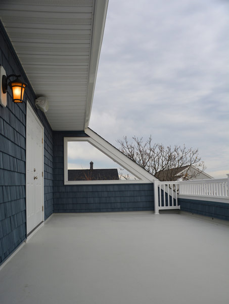 A&E Construction New Beach House Porch Deck optimized.jpg