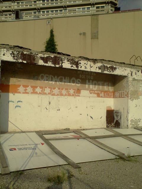 Obdachlos+Hotel.jpg