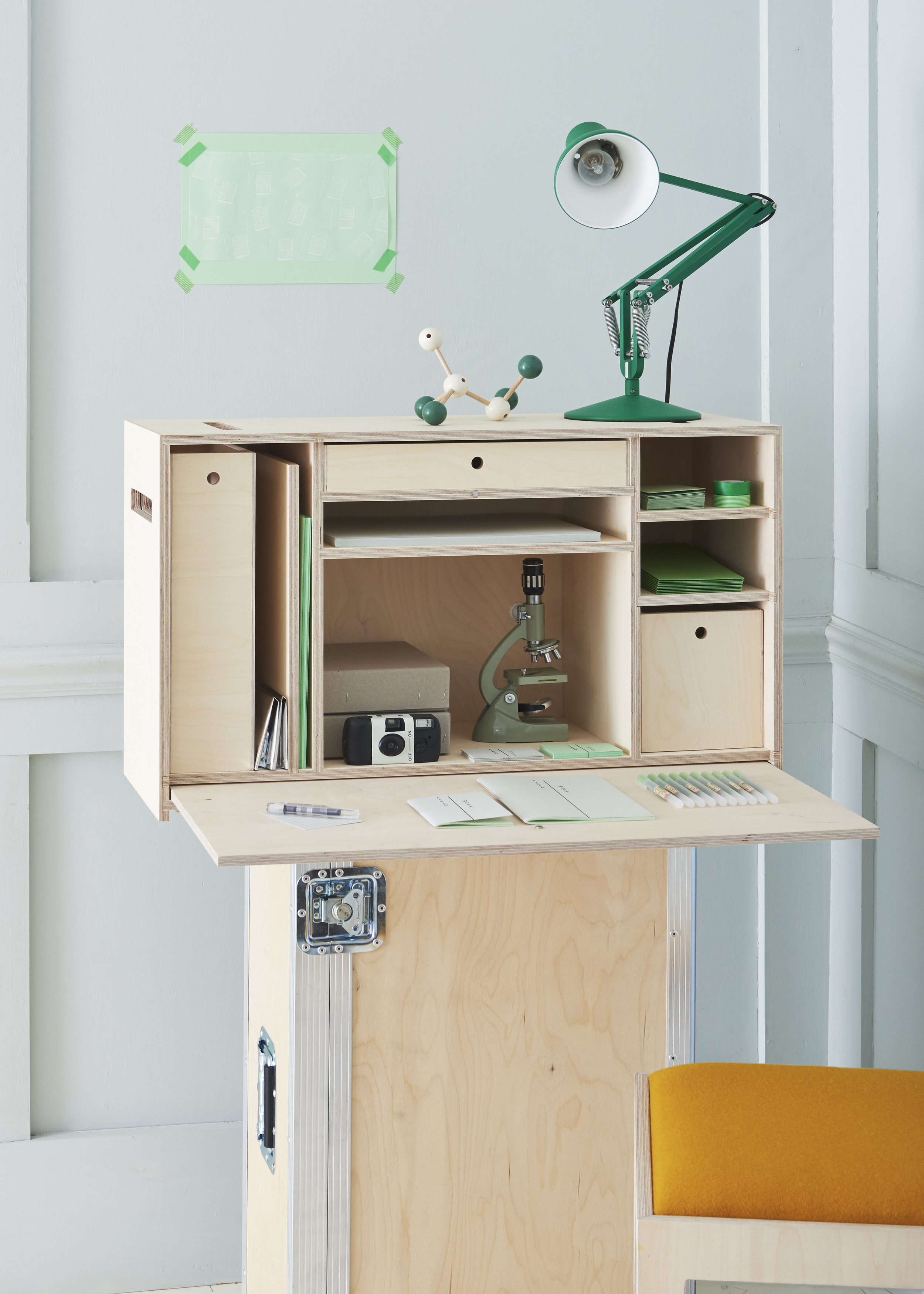 B&F desk2452.jpg