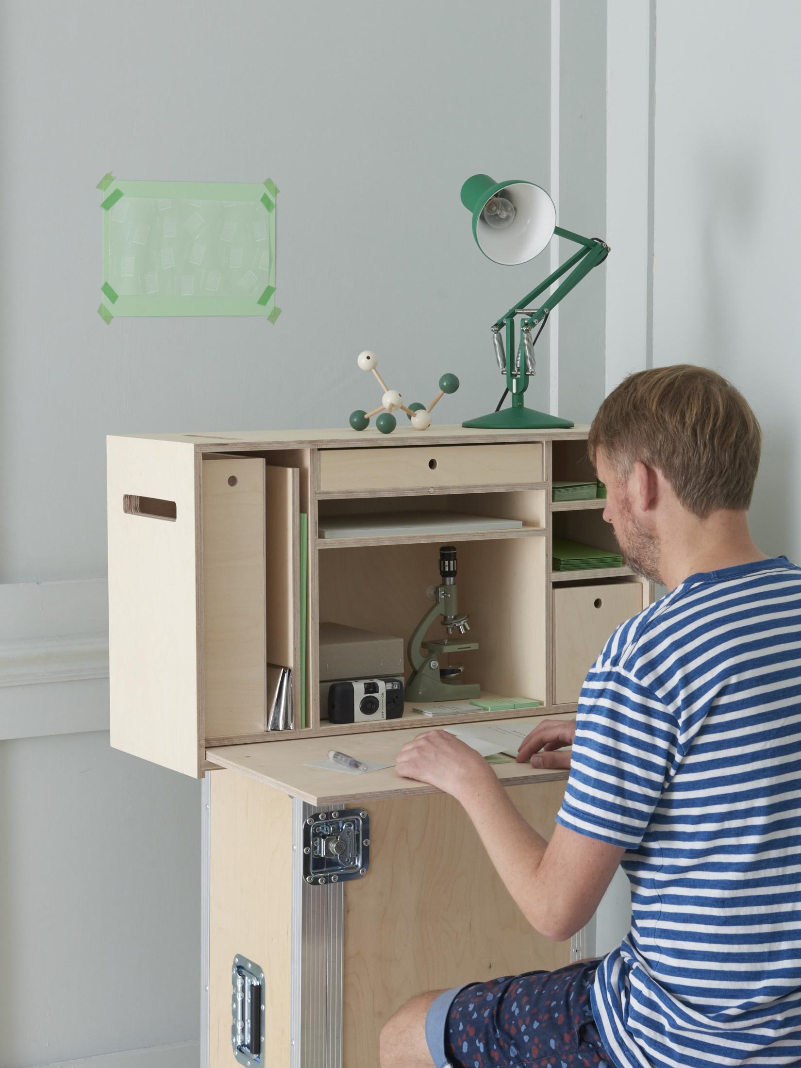 B&F desk2468.jpg