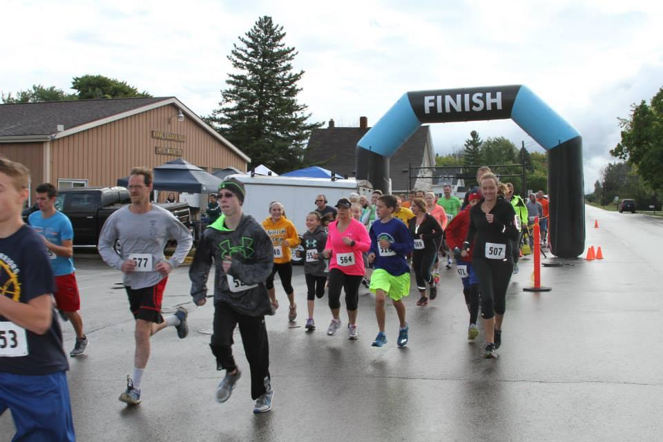 Kinde 5K Run Participants 2014 1.jpg