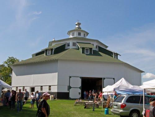 octagon barn near owendale.jpg