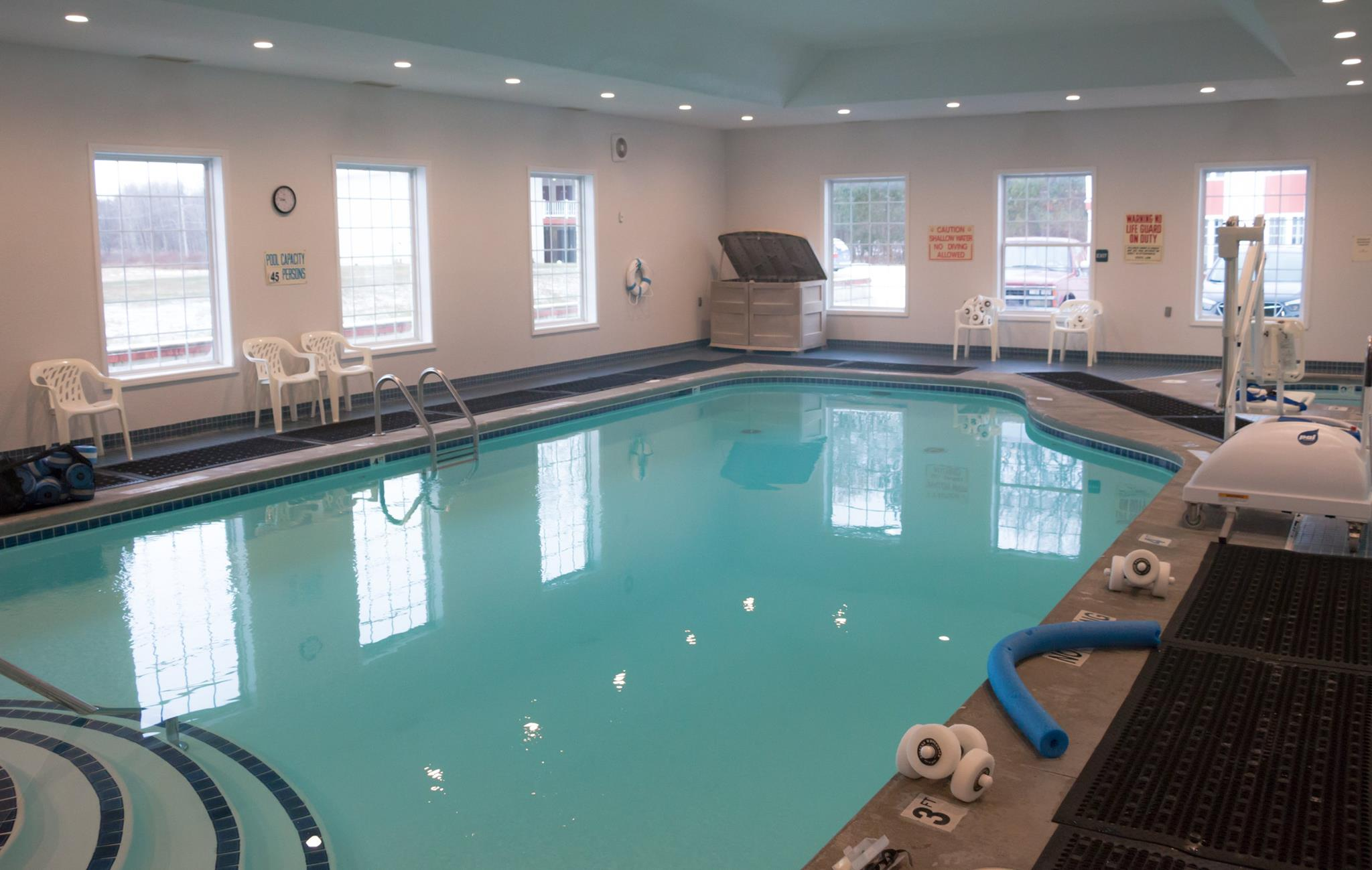Sandy Shores Wellness Center - Pool.jpg