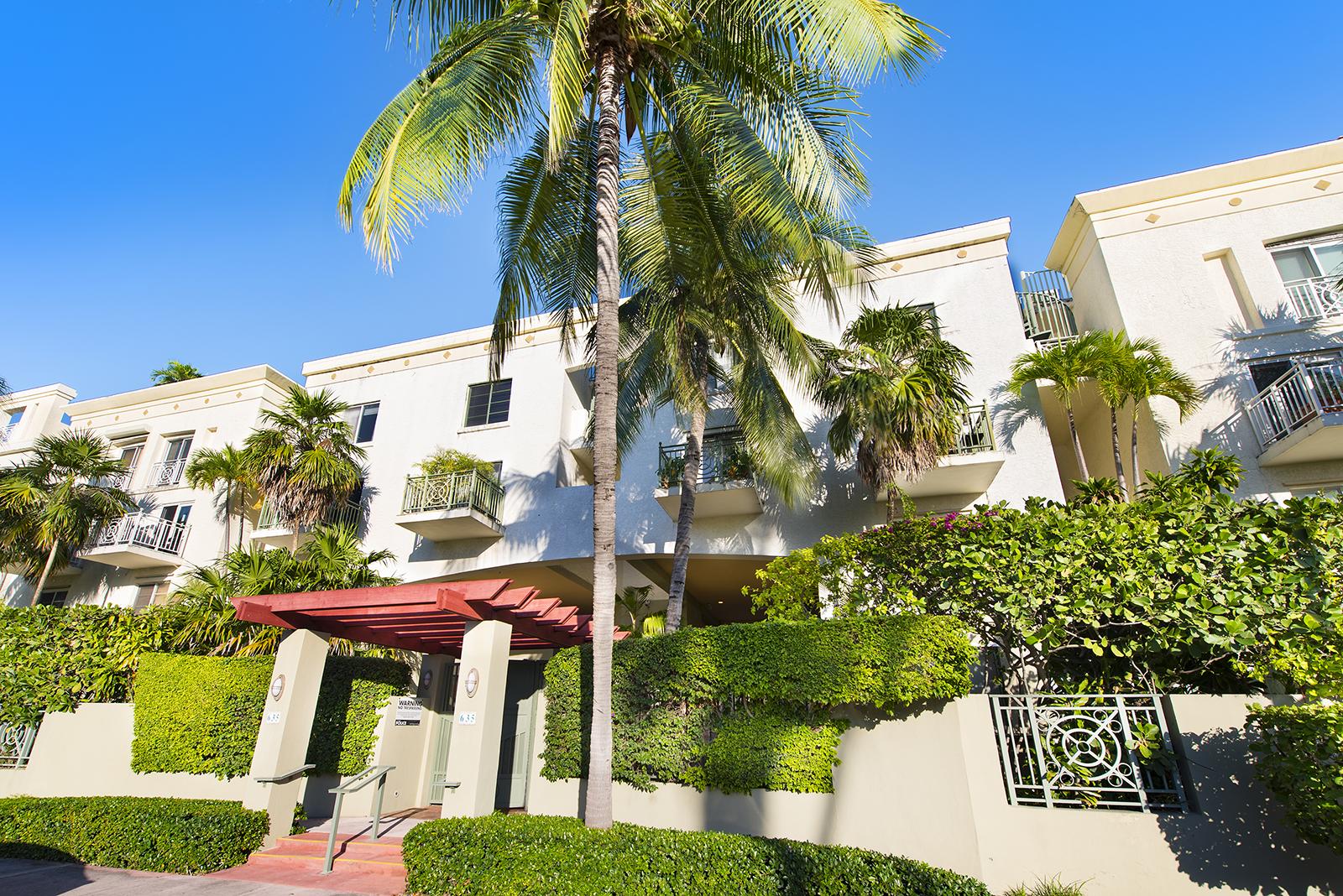 Villas at South Beach #222-01.jpg