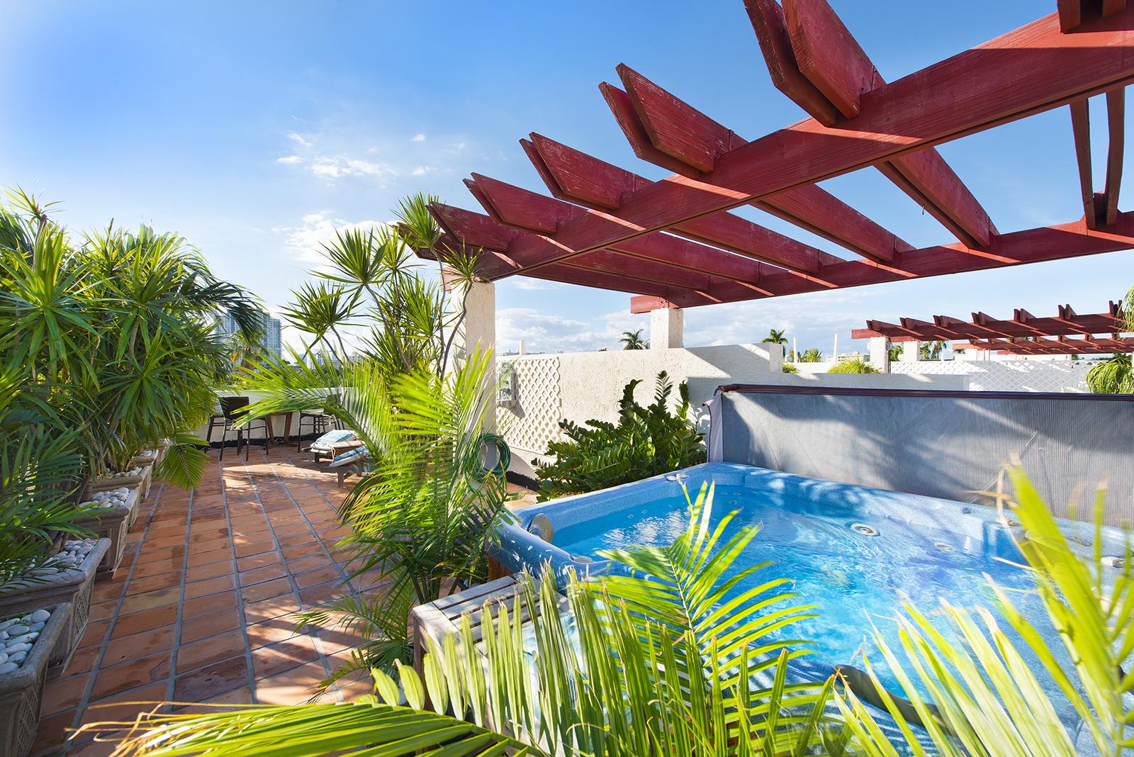 Villas at South Beach #222-15.jpg