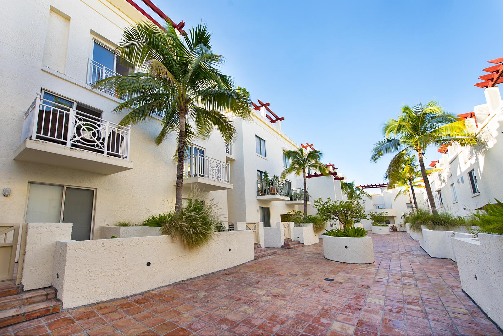 Villas at South Beach #222-18.jpg