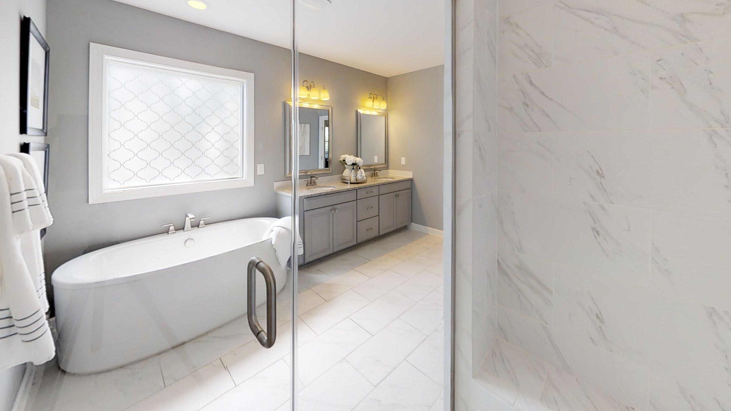 Wyndham-Bathroom.jpg