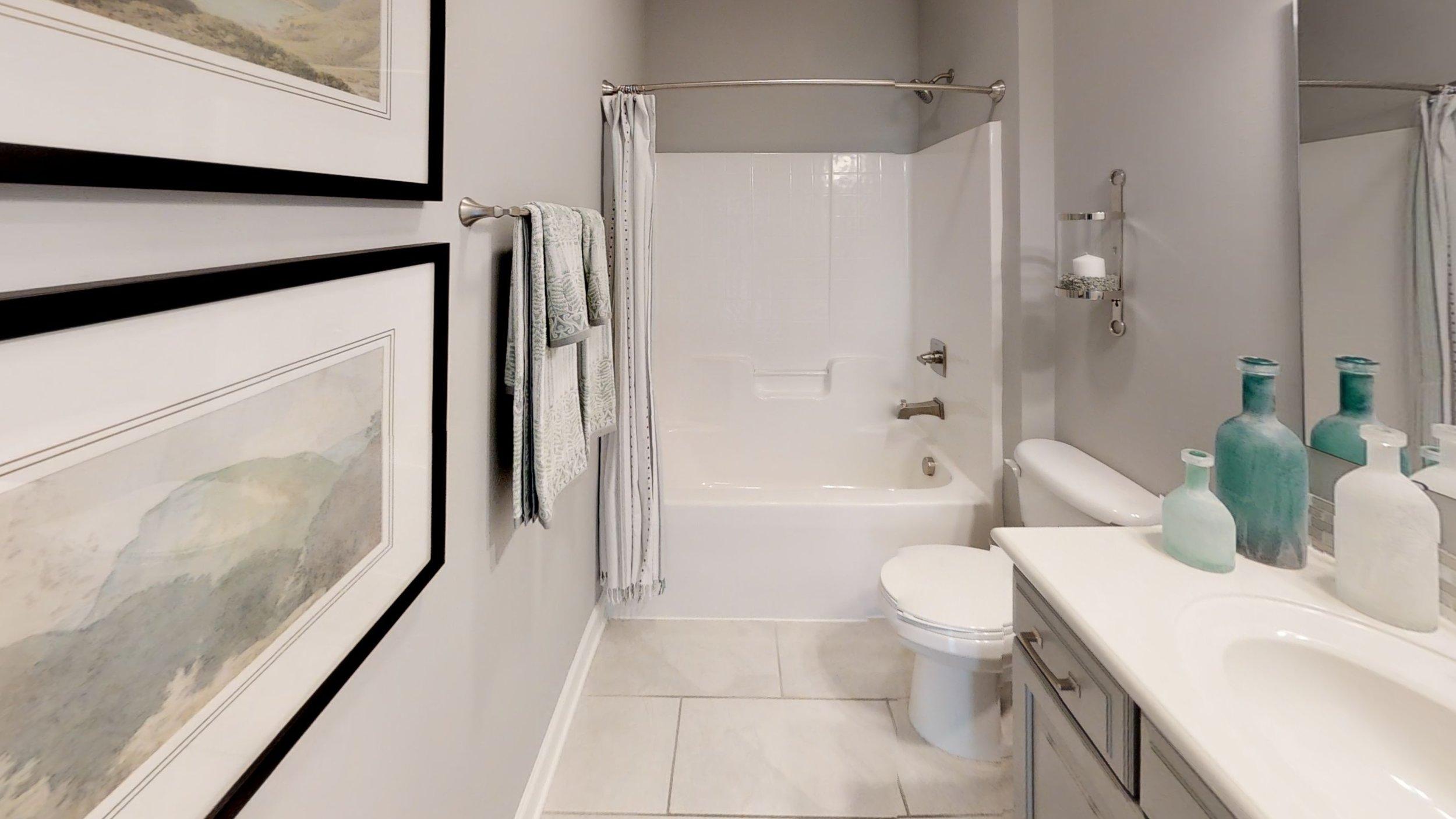 Wyndham-Bathroom(1).jpg