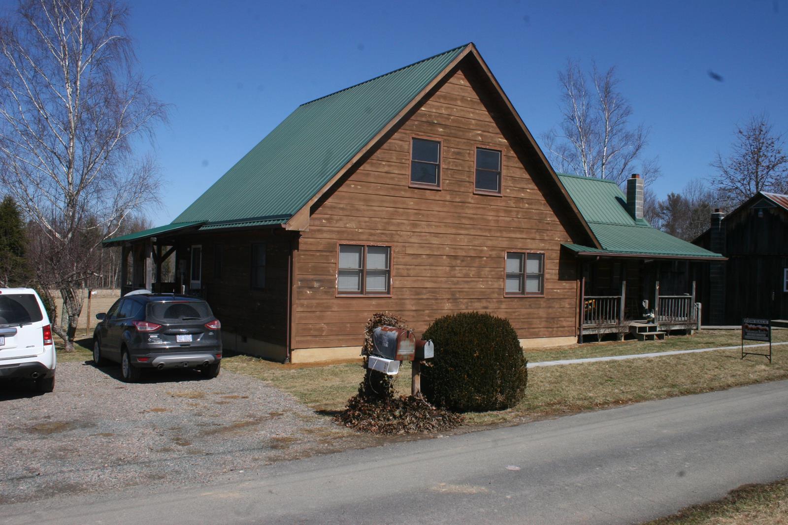 Boyd log house (4).JPG