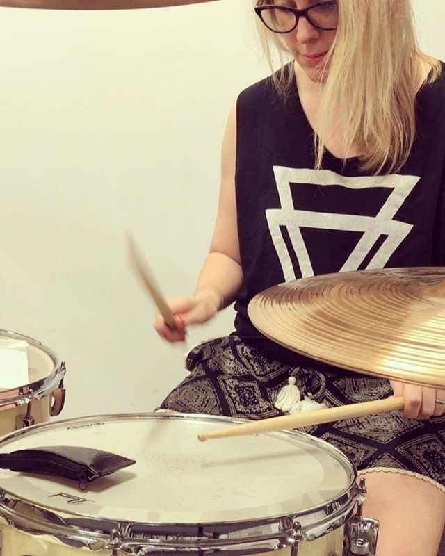 Check out the fabulous @taylor.dorothea 🙌🏻🥁 This is me attempting one of her brilliant drum lessons (number 15) Swipe for transcription 👉🏻 (I'm not 100% on its accuracy but this is what I was thinking when I heard the lesson)  Check her out and like her page,  I find it so inspiring and she always gets me wanting to practice. Thank you Dorothea! #drumteacher #inspiring #drummesson #giveitago