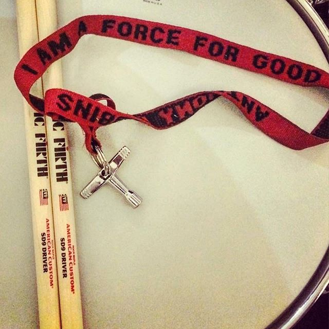 "I got this drum key strap years ago... maybe even 10/11 years ago!!😱 but it's one of my favourite pieces of drum gear I own. It's just a key chain strap that I got from an @tonyrobbins seminar and it reads "" I AM A FORCE FOR GOOD"" Whenever I see it, it makes me smile and reminds me that all I can control is my reaction and what I focus on.  So... choose wisely.  Think of the positives and remember that there are always two sides to every story.  Have a great weekend everyone! 😘❤️ #beaforceforgood #tonyrobbins #positive #drumkey #drummer #femaledrummer #keepgoing #drums #drumgear #snaredrum #snare #goals"