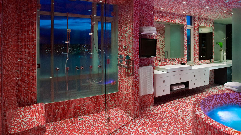 Marinaside-bath-pink.jpg