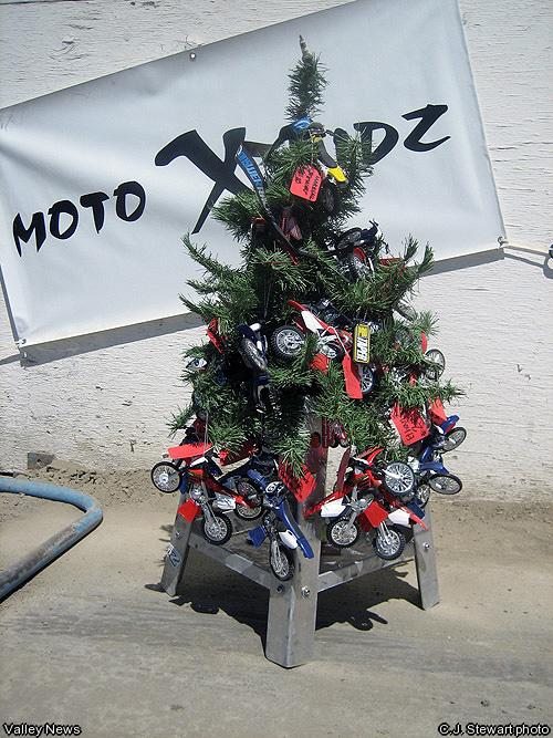 04-18-08-MOTOR-Plugged-into-Moto-cs.jpg