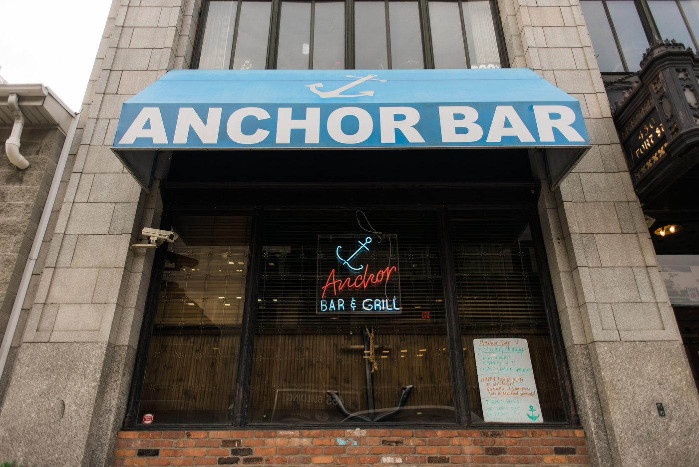 Anchor Bar-Anchor Bar-0002.jpg