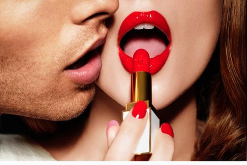 Lipstick 2.png