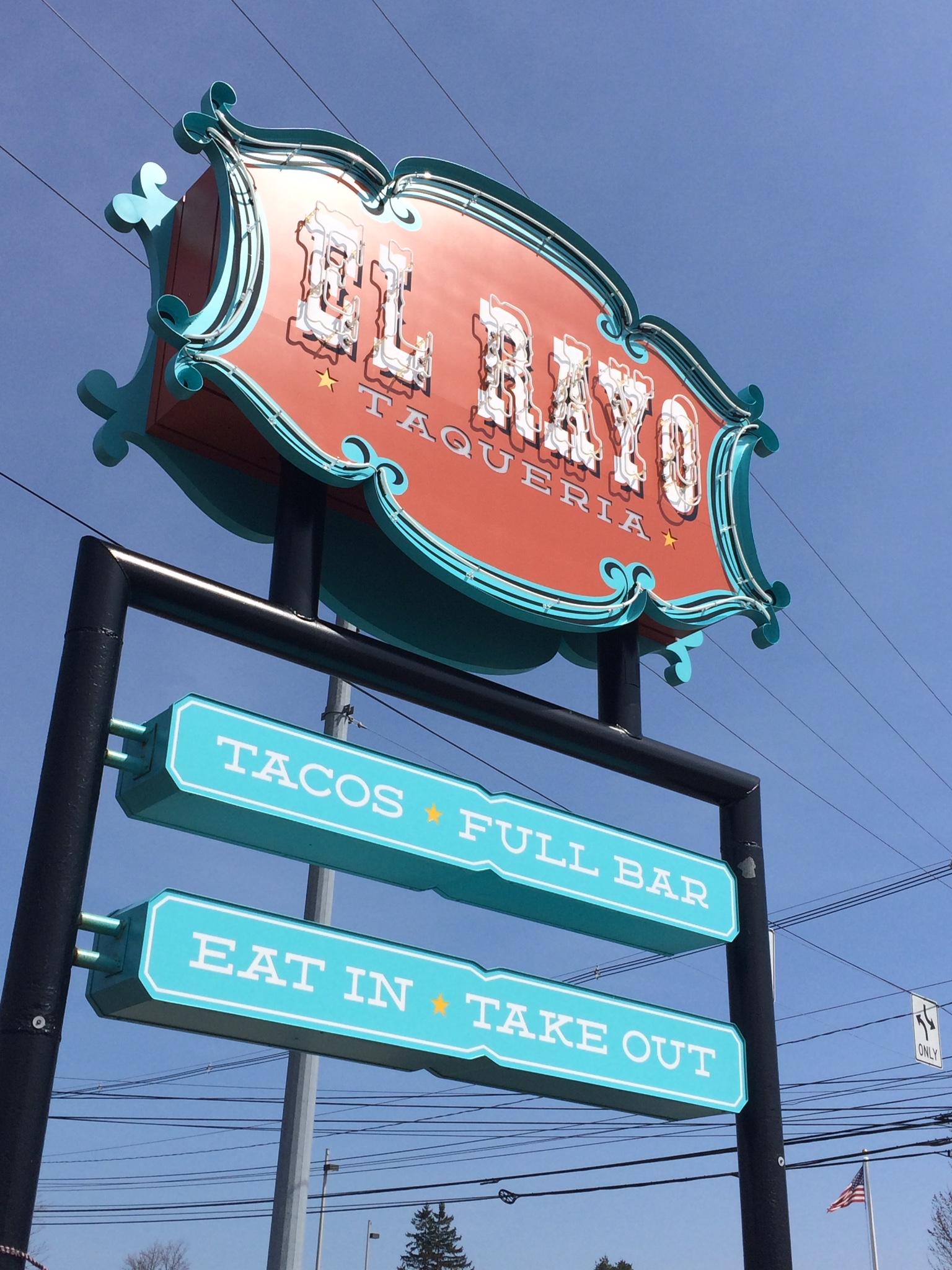 El Rayo Neon Sign
