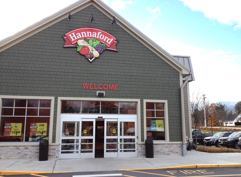 Hannaford_storefront02.png
