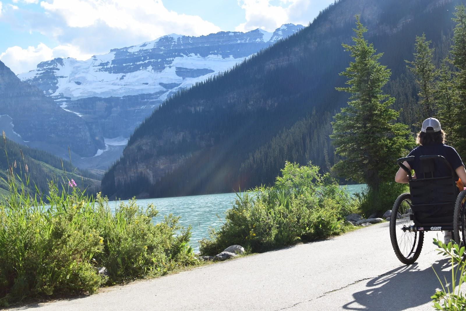 Beginning of the Lake Louise Lakeside Trail