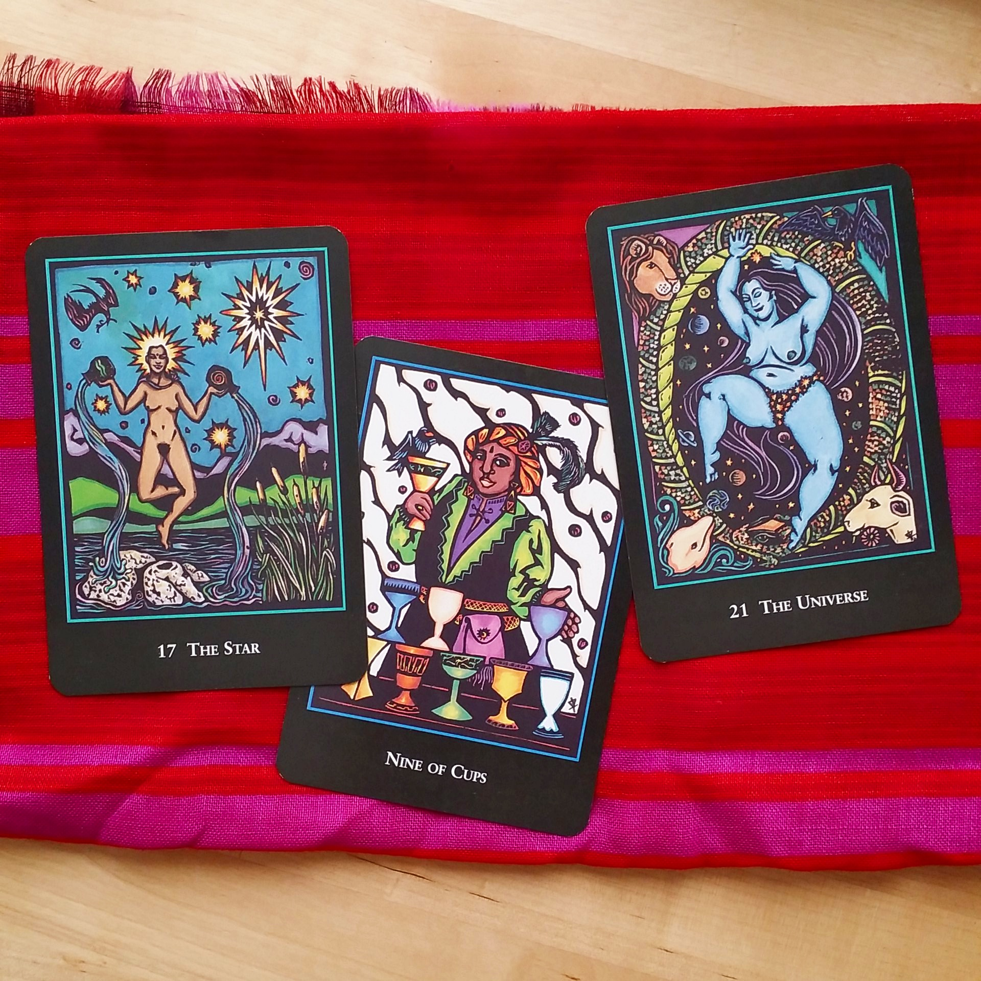 "The World Spirit Tarot says ""hiya!"""