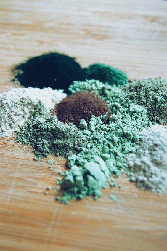 green herbal powder