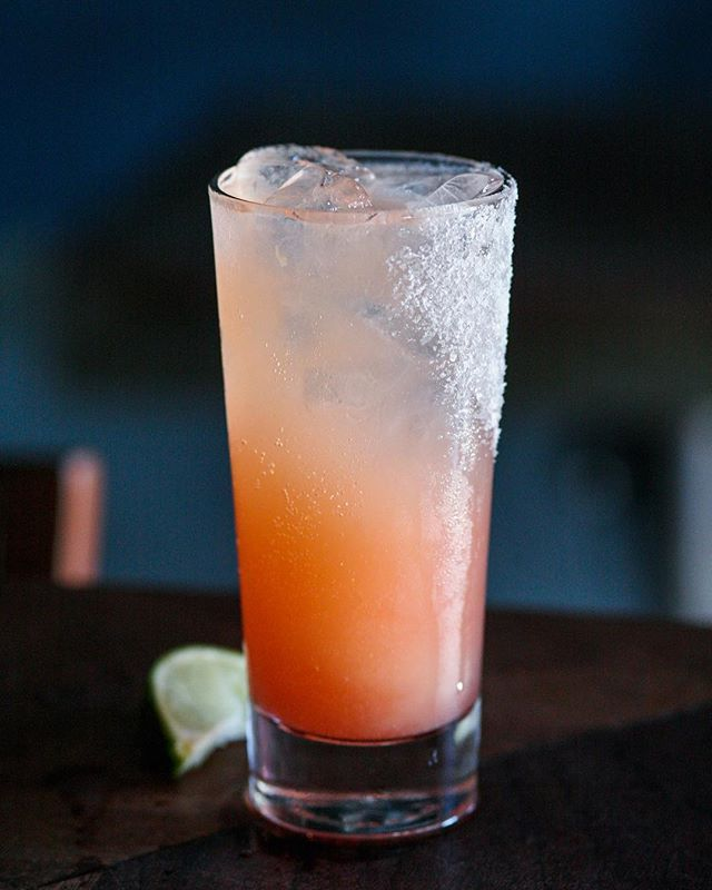 When the summer heat demands a Paloma ☀️ #neighborhoodbar #bar #venice #thebrig #thebrigvenice #reissco #abbotkinney #boilermaker #boilermakers #happyhour #oldforester #singlebarrel #whiskey #tequila #paloma #nationaltequiladay #beachday #drinktequila #palomacocktail