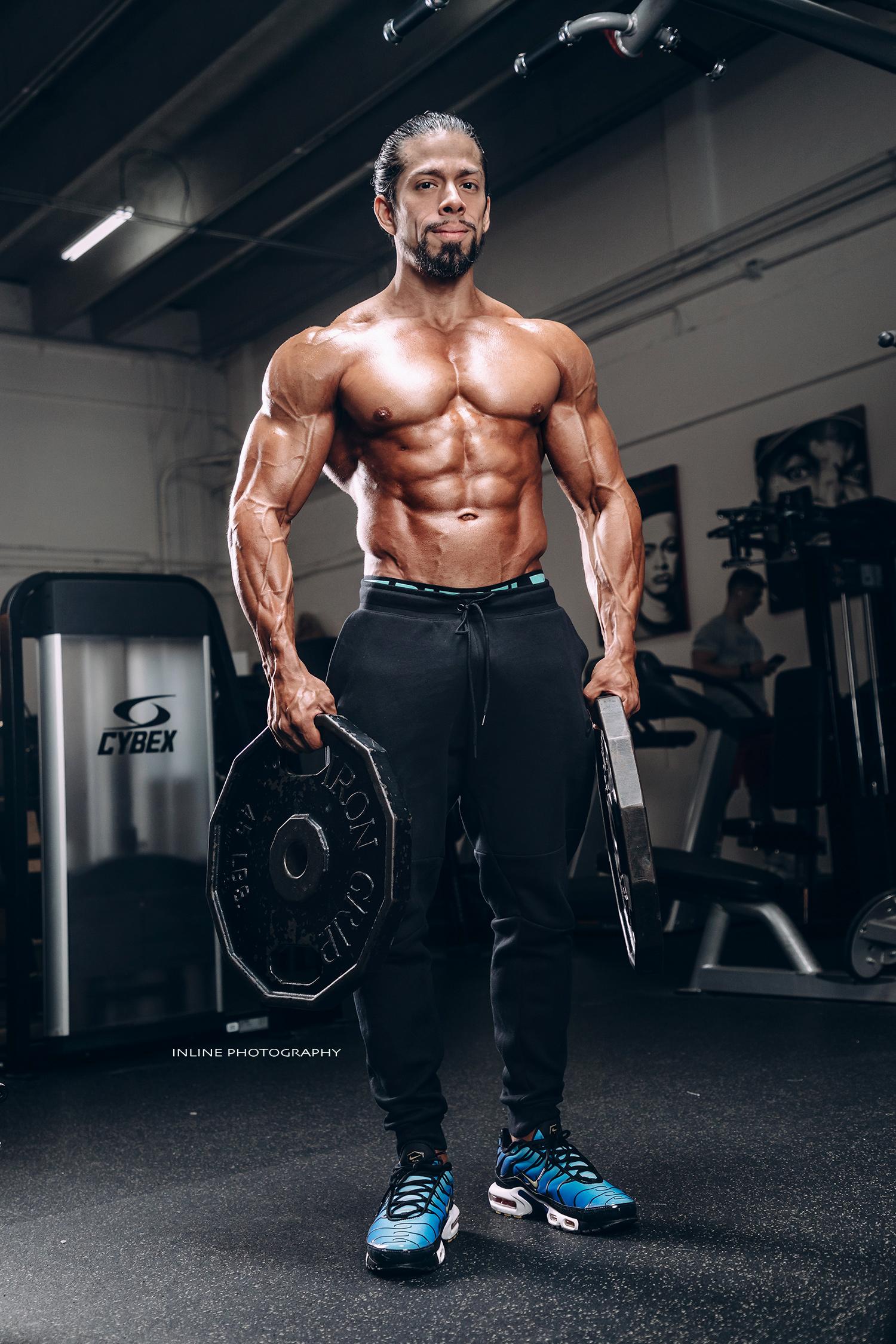 angel_bajana_fitness_model_gym_shoot_inlinephotography.jpg