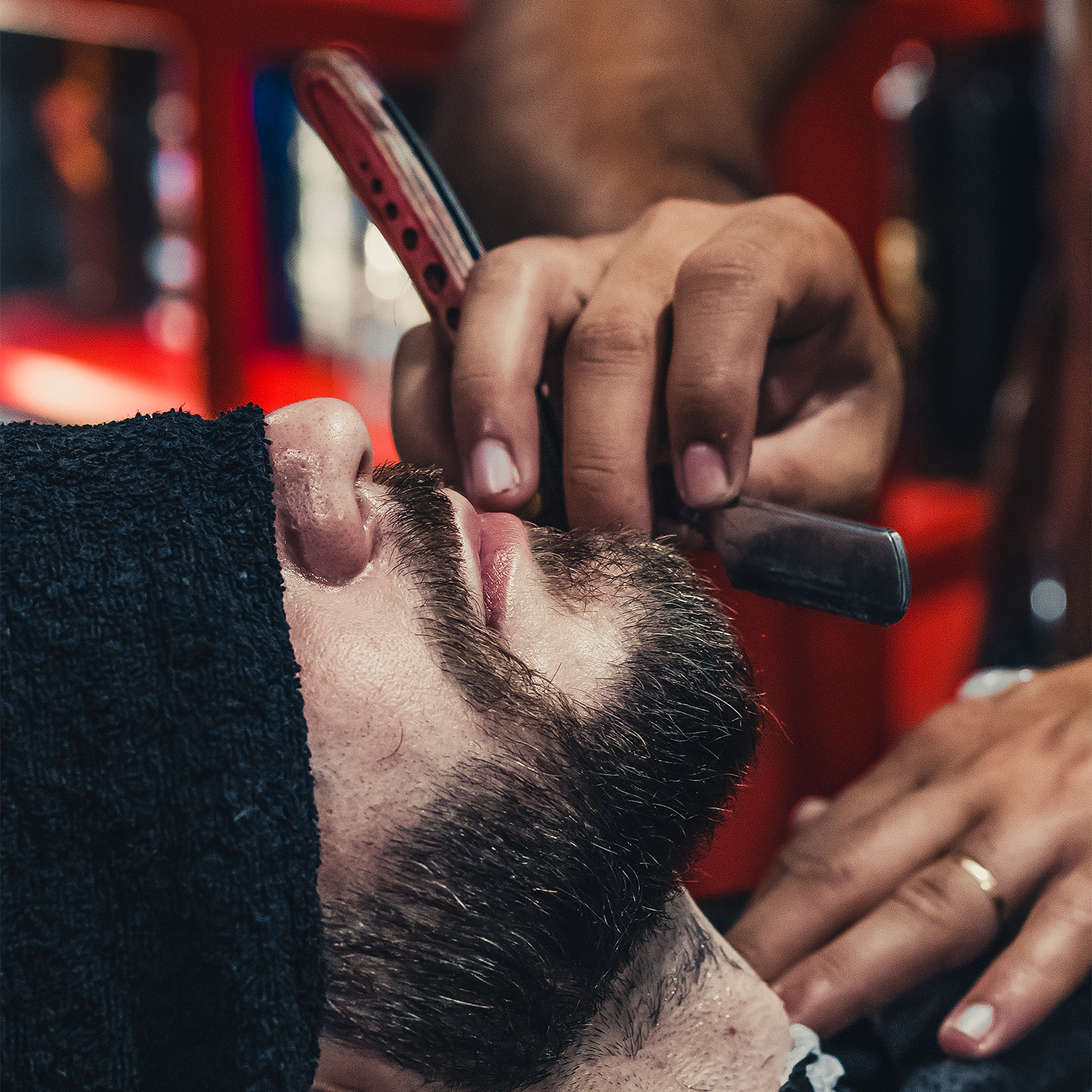 barber_barbershop_facial_hair_Photo-by-Thgusstavo-Santana-from-Pexels_inlinephotography_square.jpg