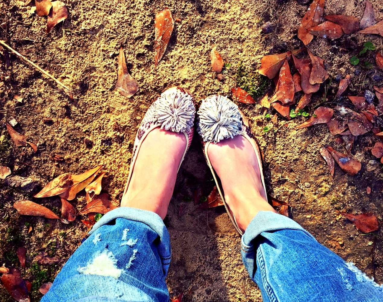 Such cute and comfy flats!! Love these by Andrew Gellar