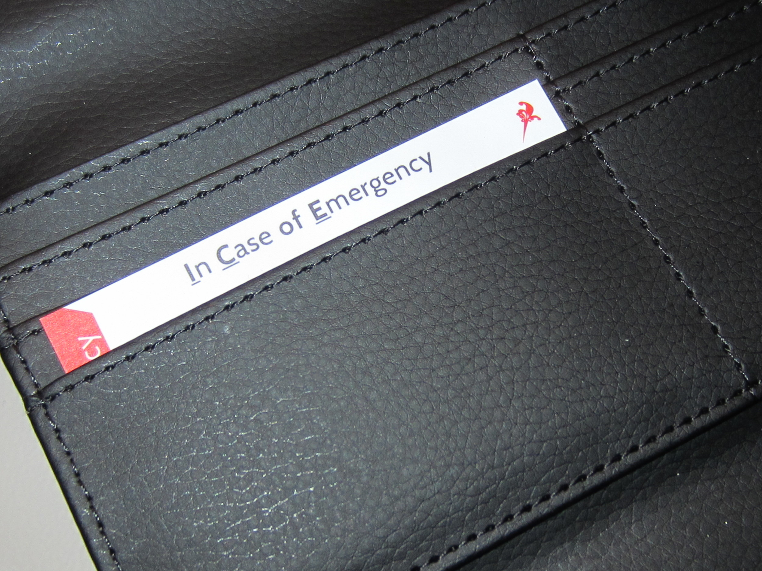 emergency wallet card horizontal