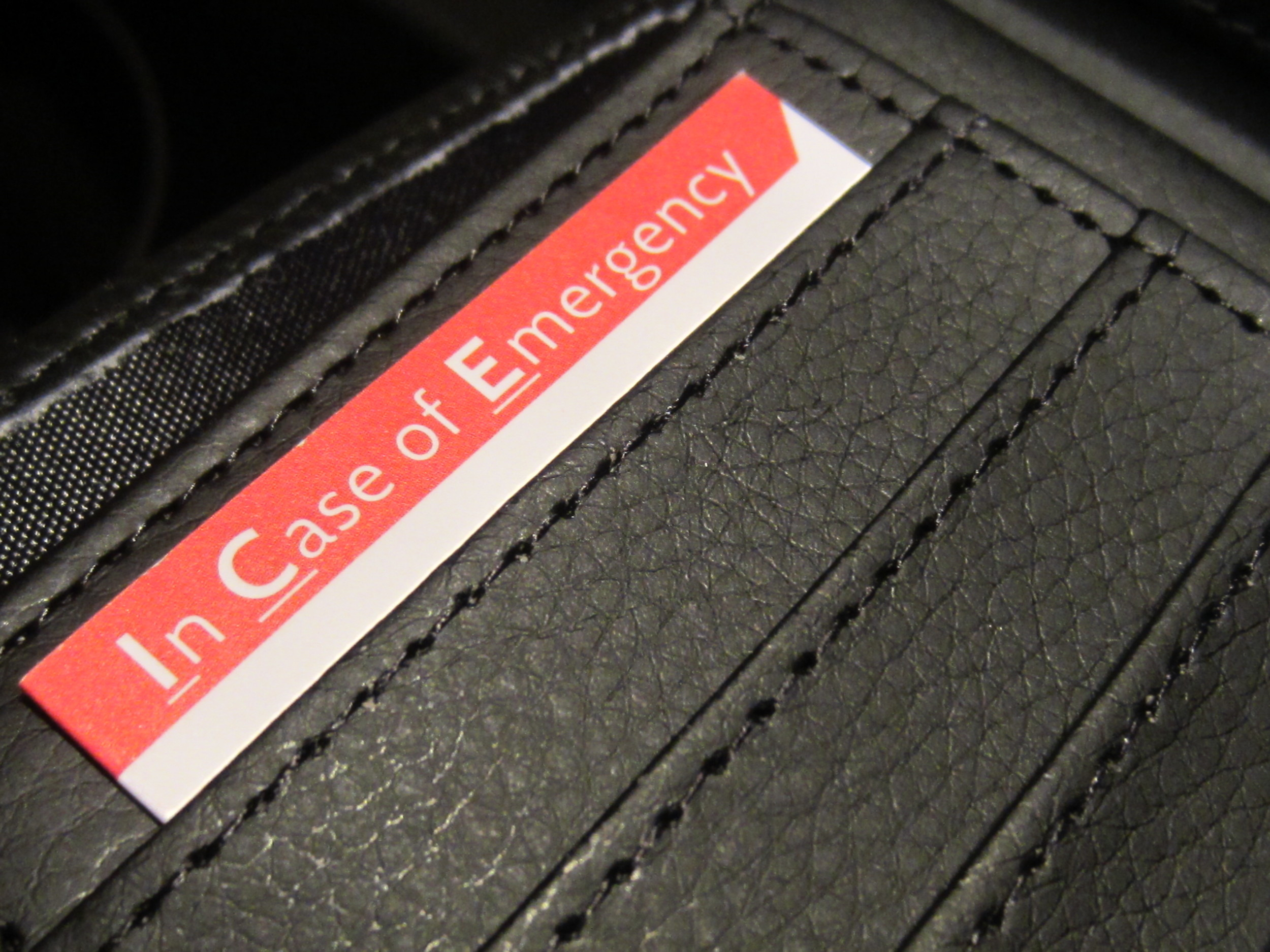 emergency wallet card
