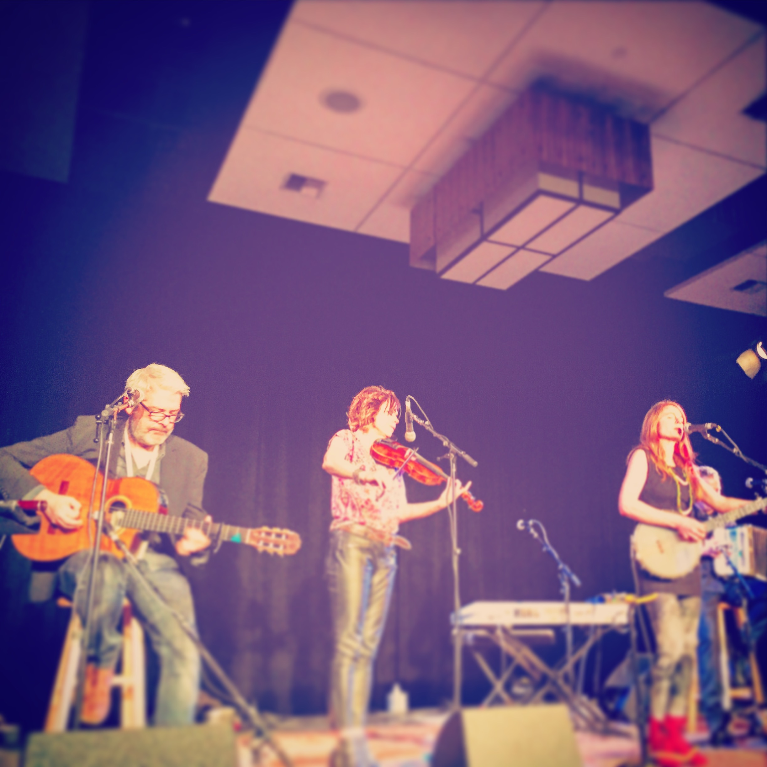 Irish band Solas about to get a standing ovation! Photo by Zoë Léger, age 7.