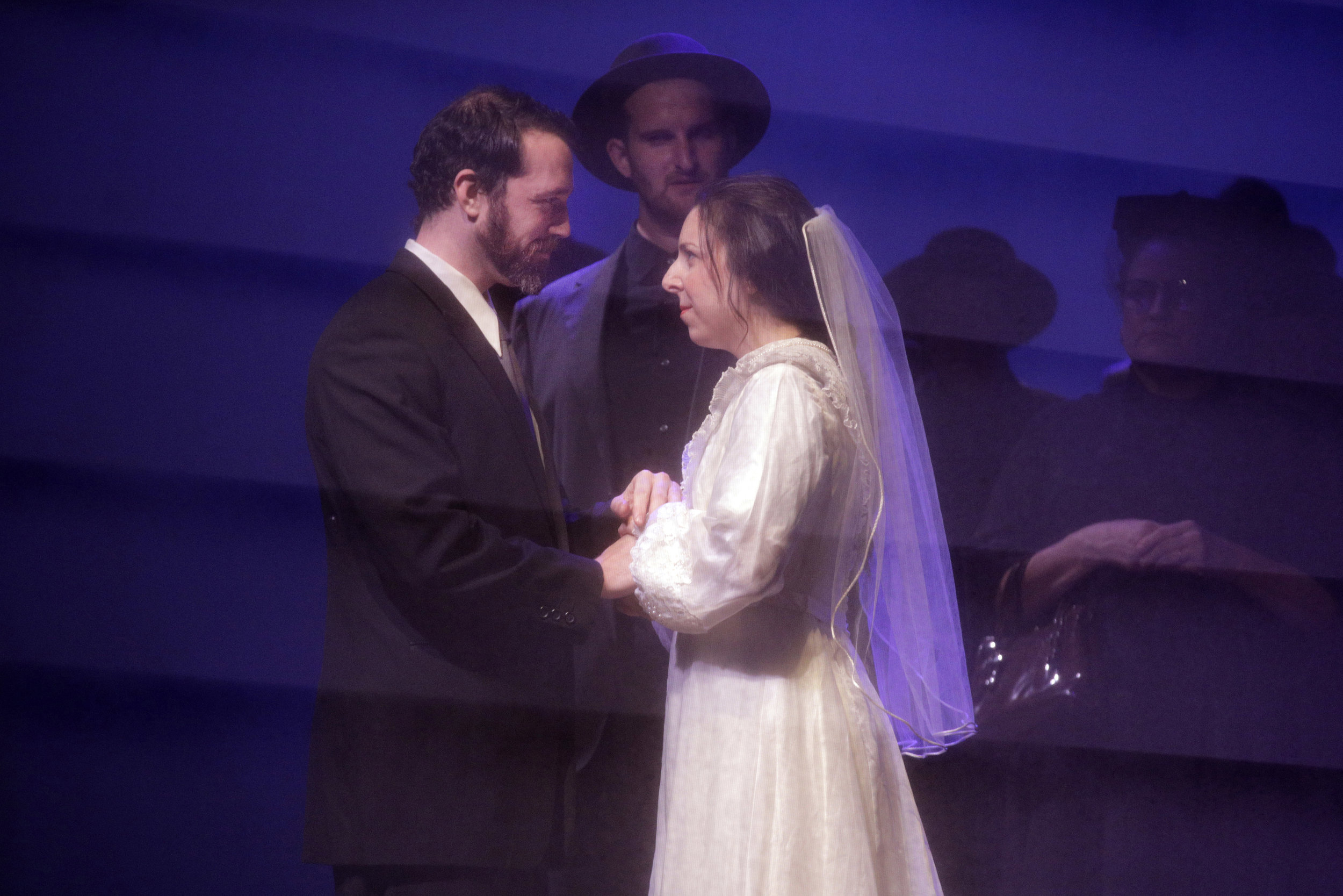 Bess McNeill (Sara LeMesh) and Jan Nyman (Robert Wesley Mason) in West Edge Opera's production of Breaking the Waves