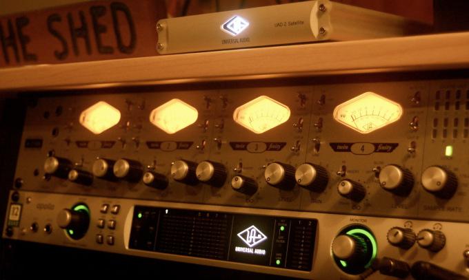 Universal Audio gear  :  UAD Satellite Quad  ,  Apollo Quad  , &  Universal Audio 4-710d Preamp