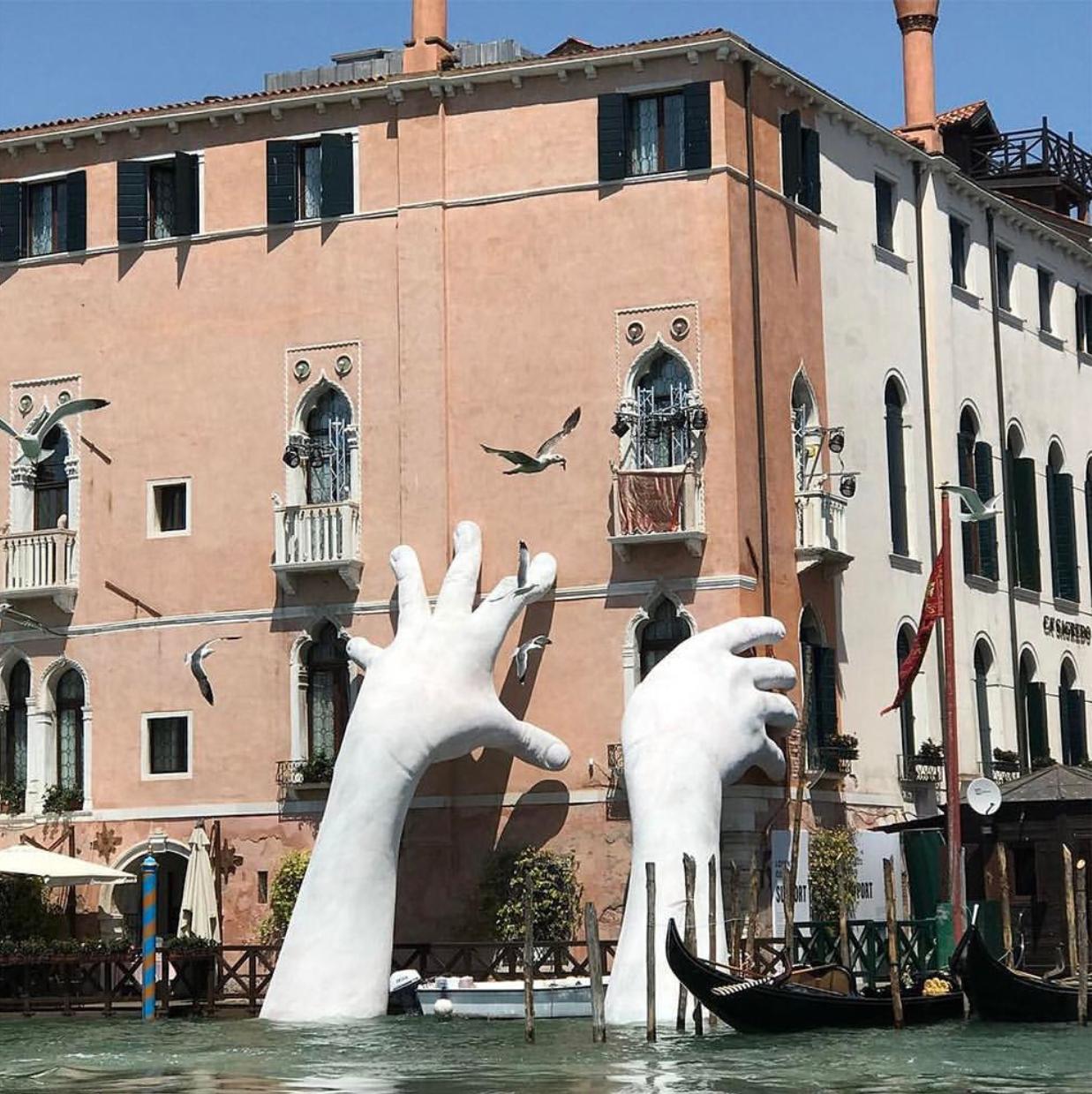 Lorenzo Quinn, Venice Biennale, 2017