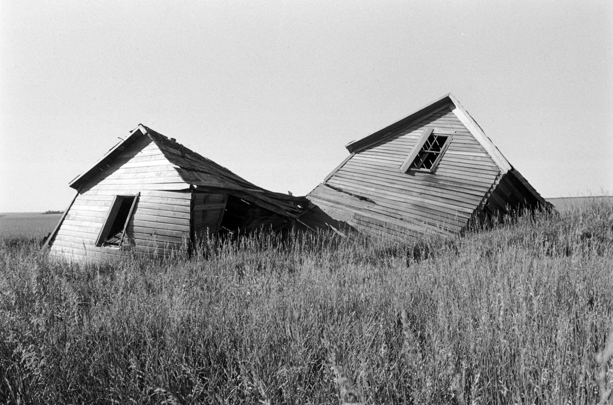 Peter Kayafas, North Dakota, 2010, Gelatin Silver print, 16 x 20 inches  Courtesy the artist and Sasha Wolf Projects, New York / ©Peter Kayafas