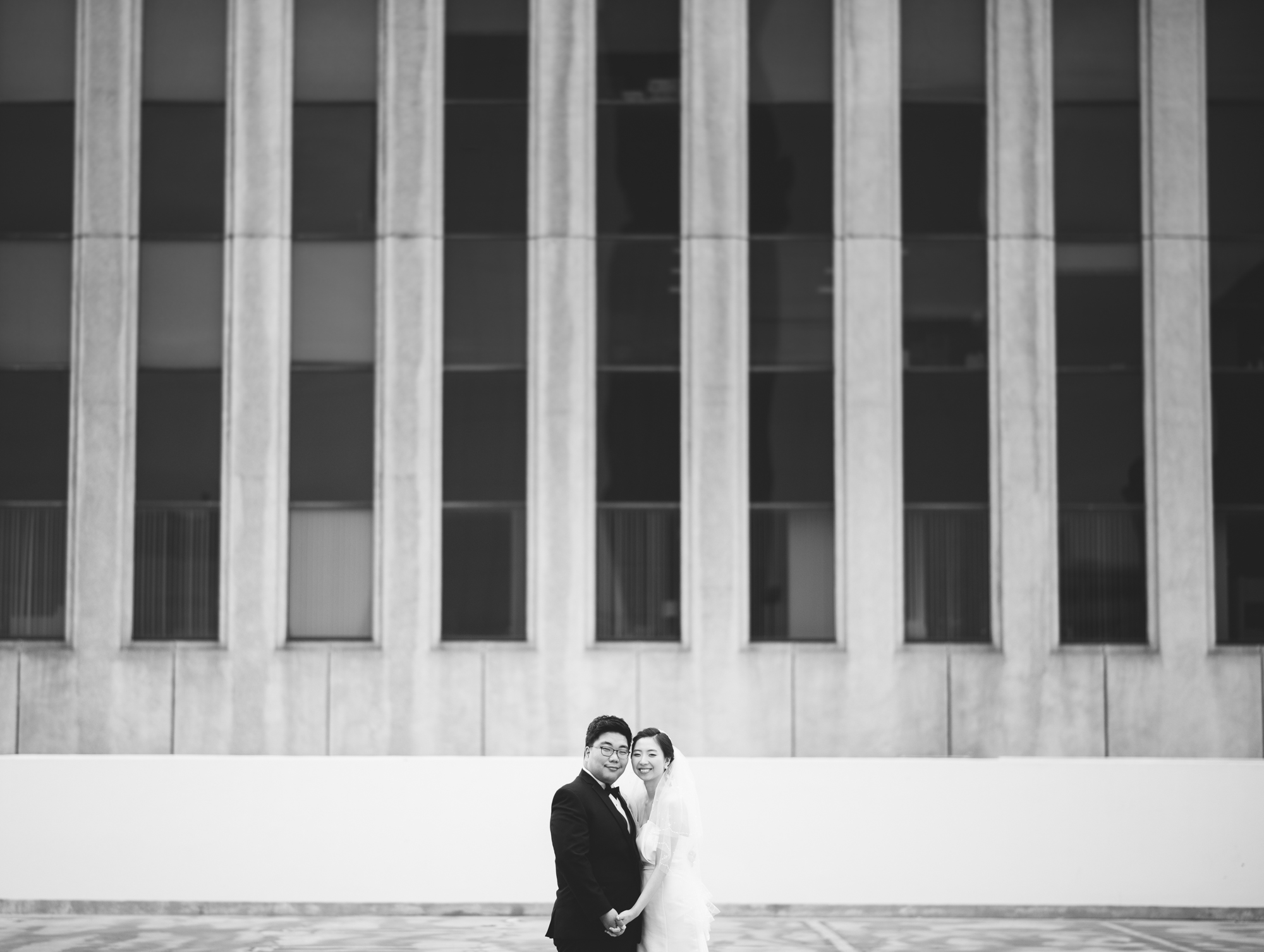 ©Isaiah & Taylor Photography - Destination Wedding Photographers - Downtown Los Angeles Parking Lot Rooftop Wedding-009.jpg