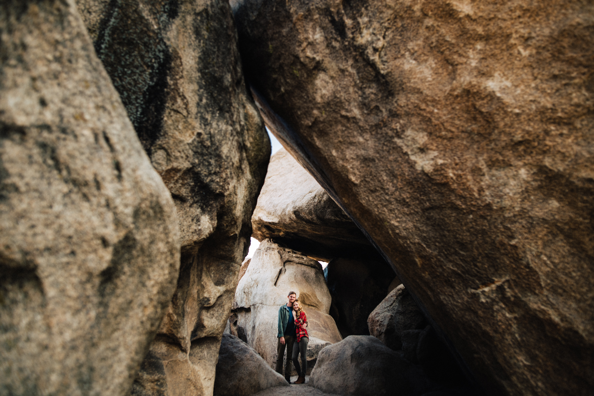 ©Isaiah & Taylor Photography - Destination Wedding Photographers - Joshua Tree, California Adventure Engagement-004.jpg